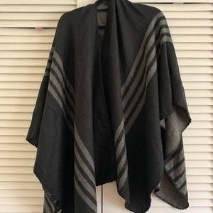 EUC reversible black and gray poncho